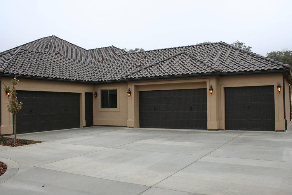 84-garage.JPG