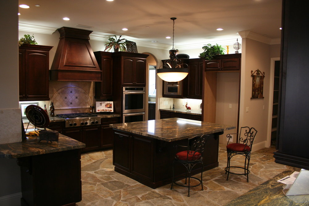 84-kitchen island.JPG
