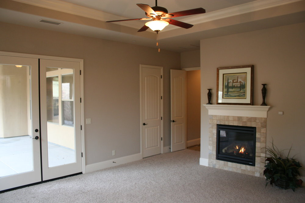 84-master bedroom fireplace.JPG