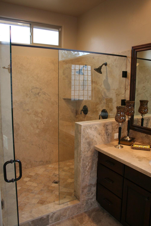 84-master shower.JPG
