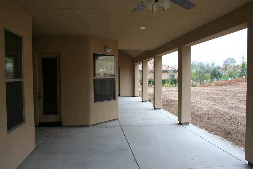 84-patio.JPG