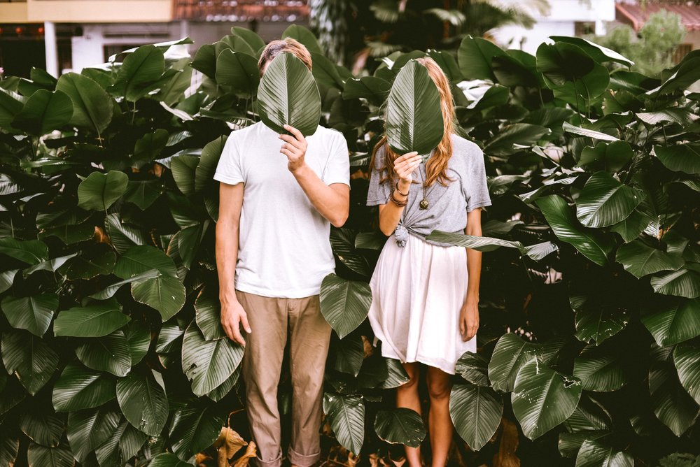 couple-in-the-bushes-twenty-20