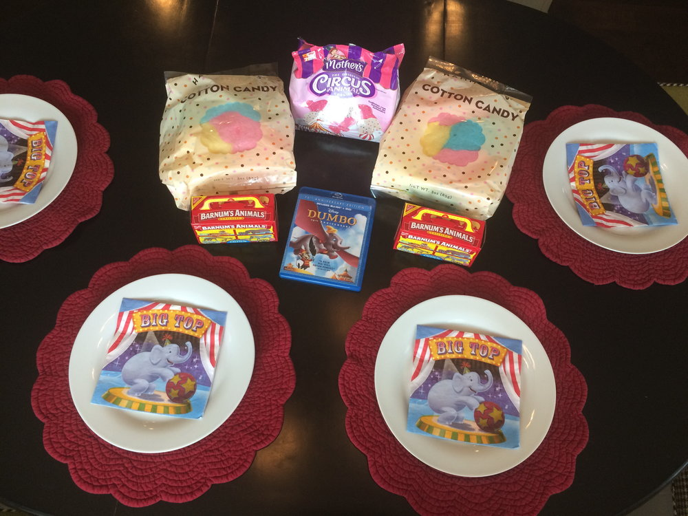 Cotton candy, animal crackers and circus animal cookies... don't tell the dentist!   Sure, just one of these would suffice, but I'm not known for restraint.  All this paired with a Disney classic film, what's not to love?