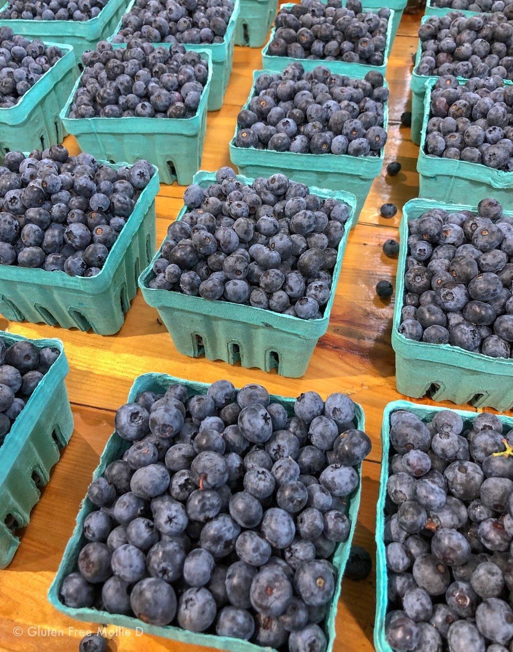 It's still blueberry season! Who wants muffins? 😉