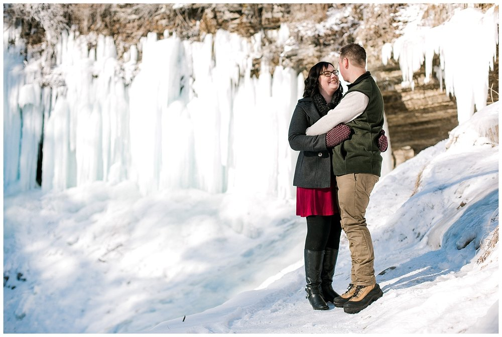Minnehaha Falls Engagement session Lauren Baker Photography Winter engagement session