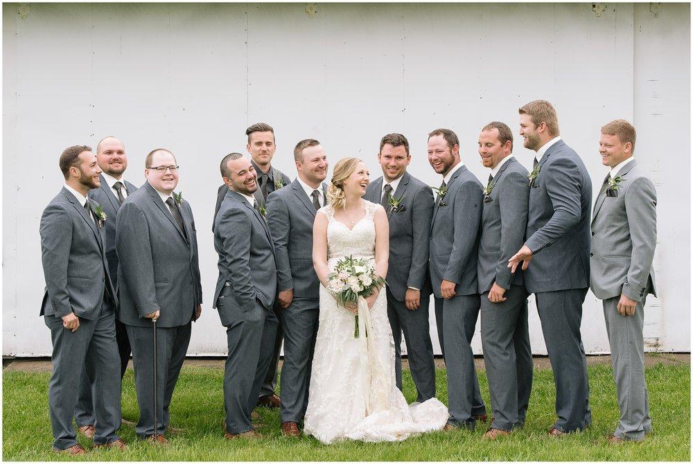 Dellwood Barn Weddings summer wedding with Lauren Baker Photography wedding photographer Minnesota