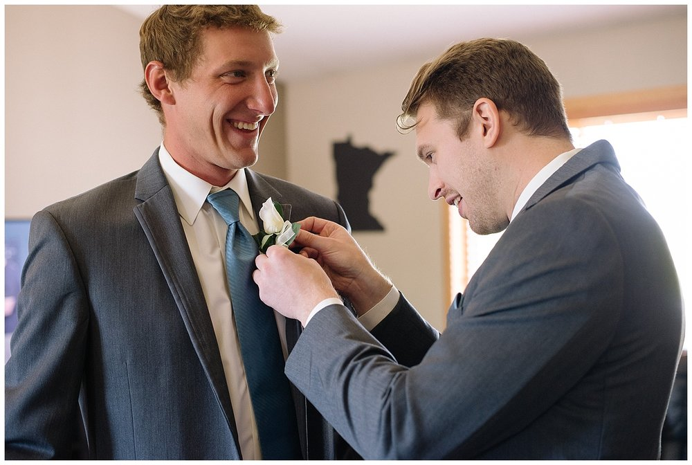 Lauren Baker Photography how to put on a boutonniere