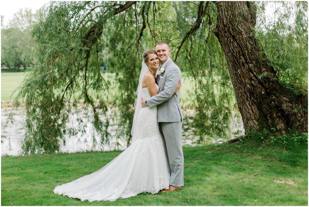 Lauren baker Photography Bunker Hills Golf Course summer wedding