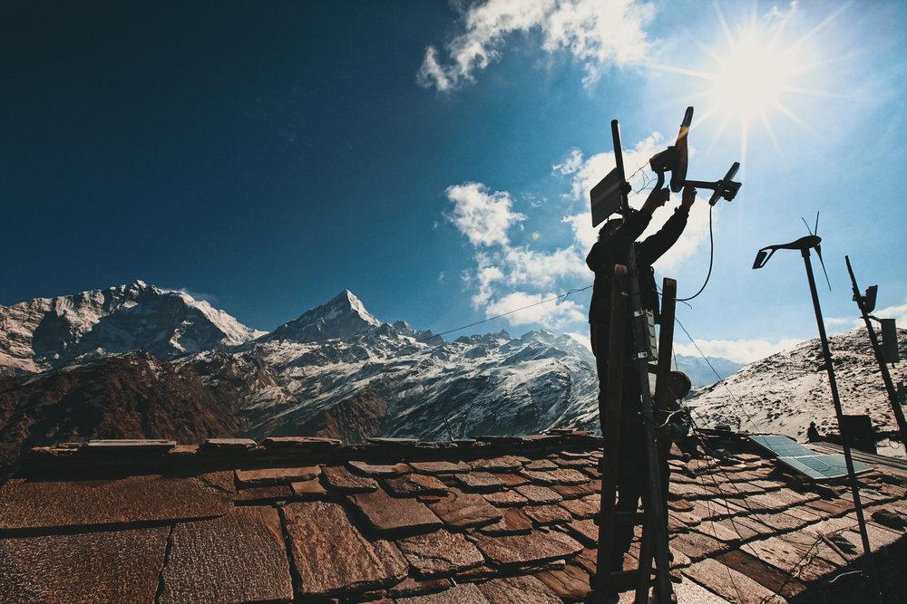 mahbir-pun-khopra-ridge-station-annapurna.jpg
