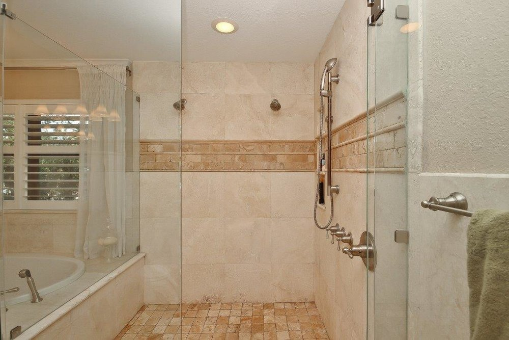 034_Master Bathroom.jpg