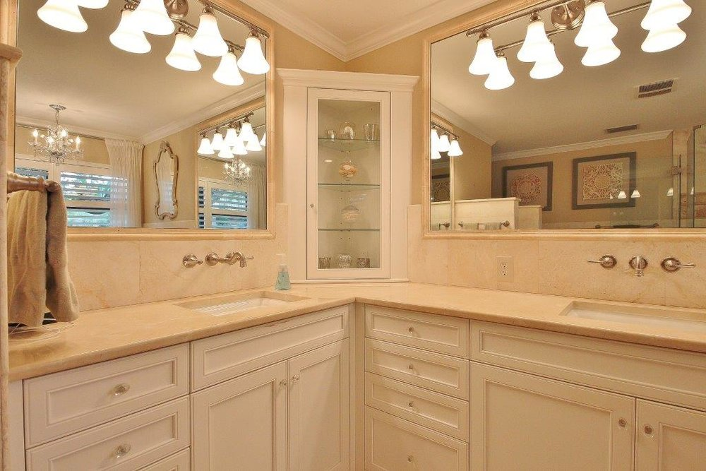 035_Master Bathroom.jpg