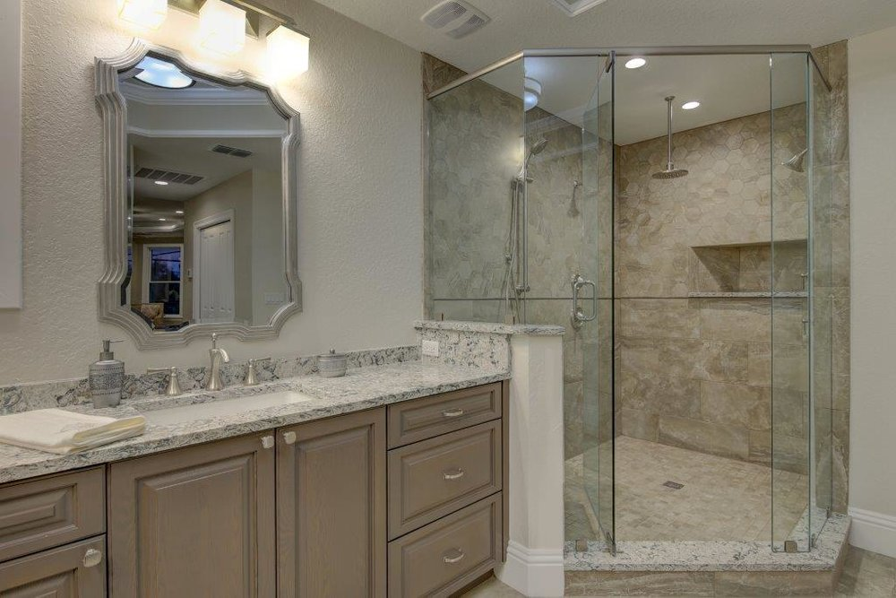 037_Master Bathroom.jpg