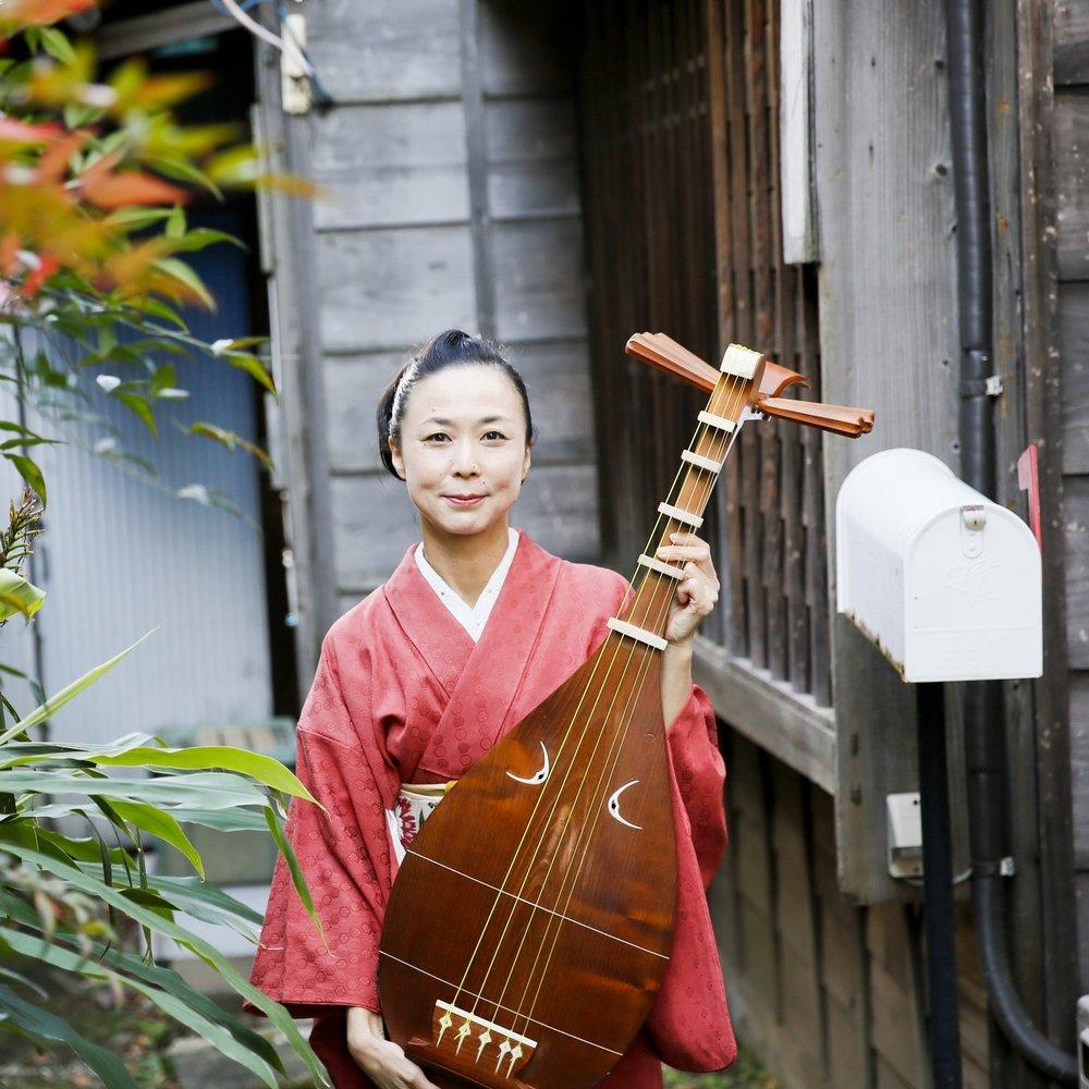 NOBUKO KAWASHIMA - The Biwa Performer