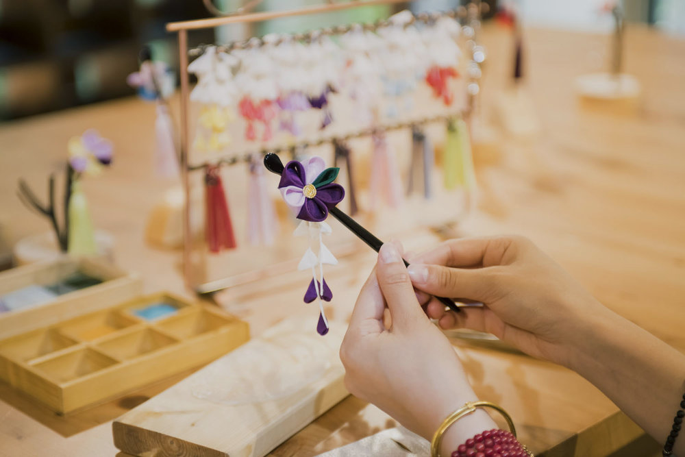Craft your own gorgeous Geisha hair ornament in Kyoto. -
