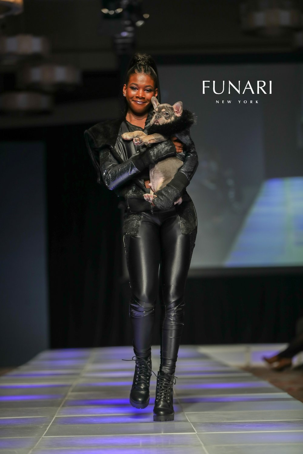 COUTURE LOGO JANLLE FUNARI MODEL TAI DOG CHANCE 2018CFW0210-1X2V6113.jpg
