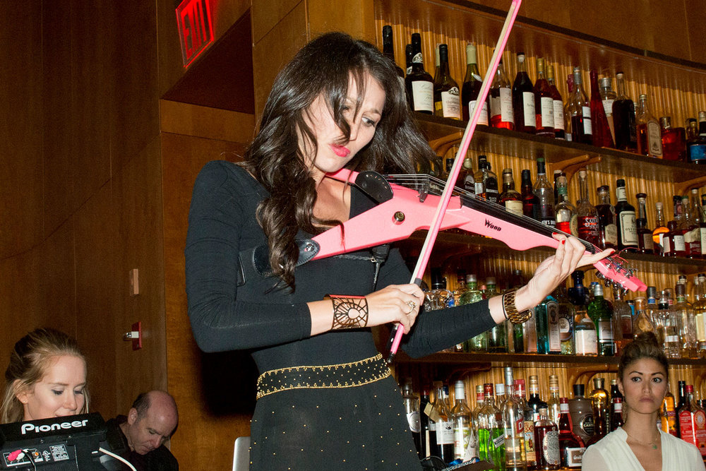 toast-violin-performance-bar-events-performance-10twelve.jpg