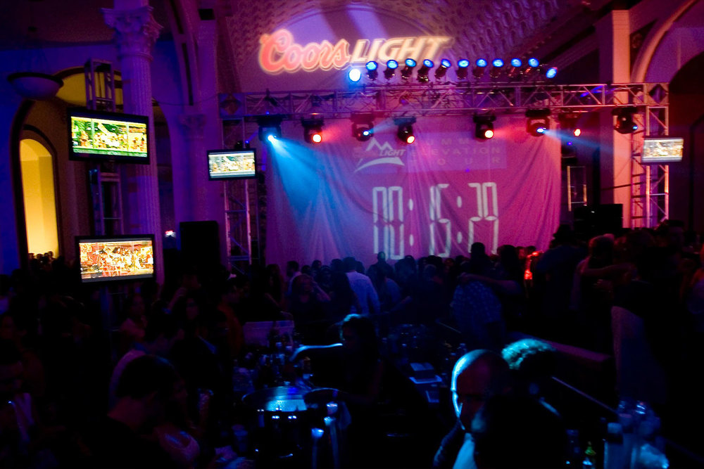 toast-coors-light-elevation-tour-entertainment-set-props-10twelve.jpg