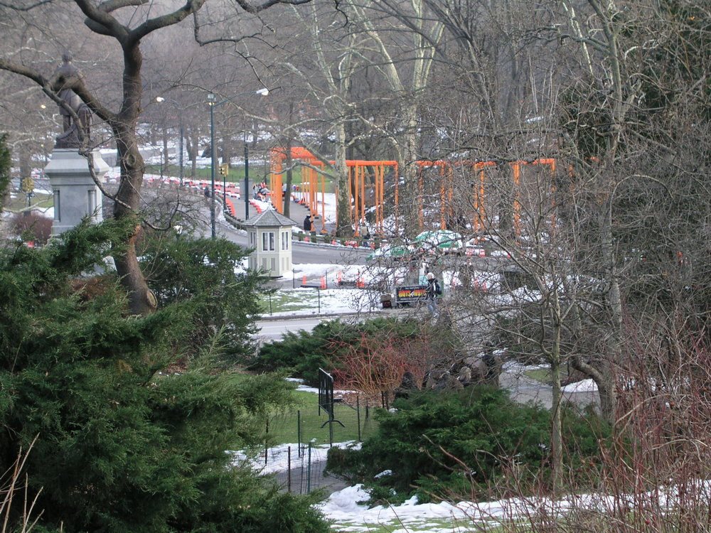 In 2005 100s of volunteers erected Christo Gates in Central Park.6.JPG