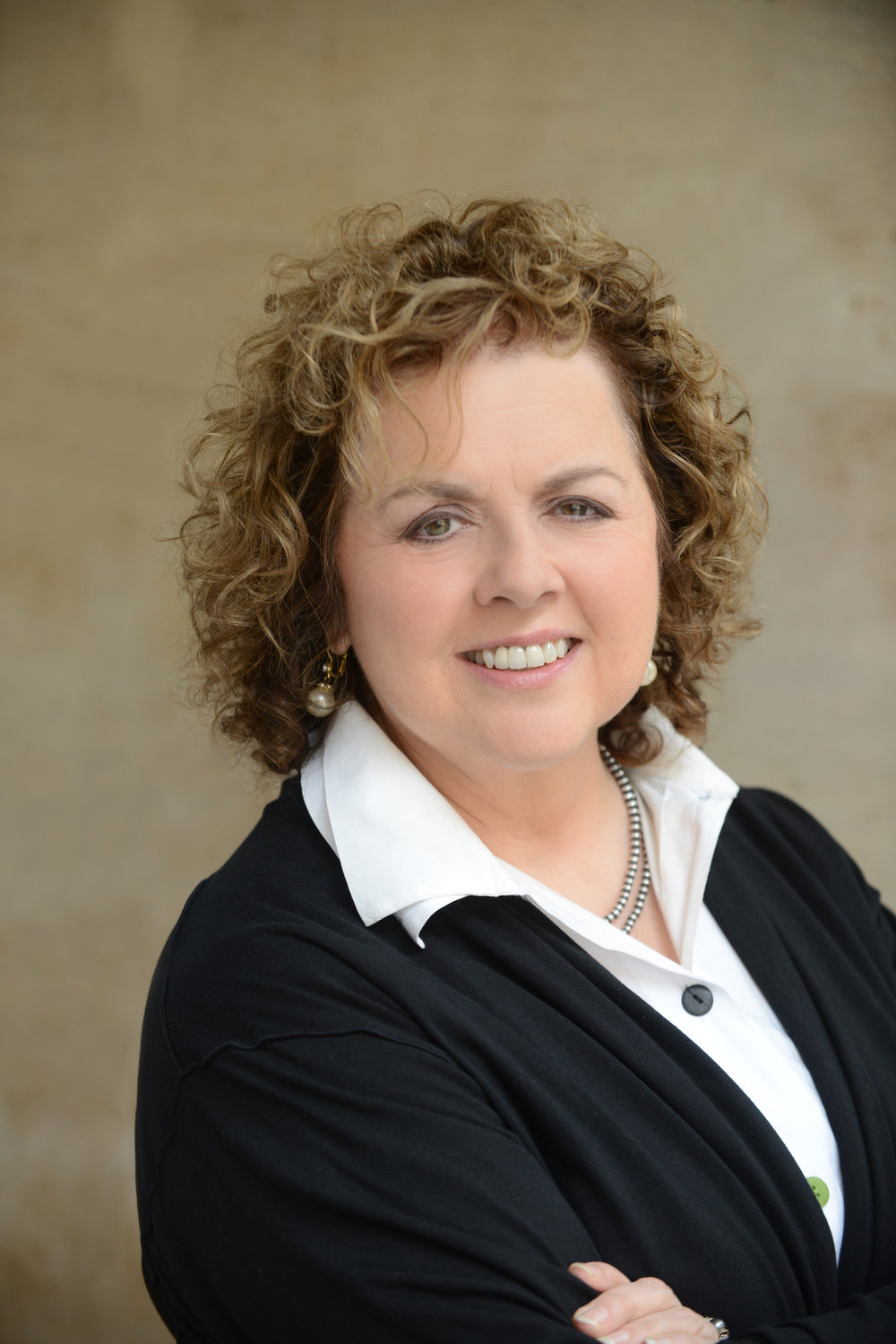 Laurie Garrett Headshot_General.JPG