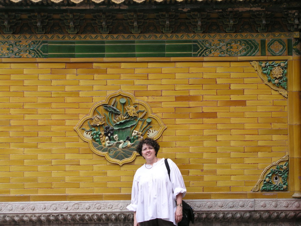 Nearly empty Forbidden City amid SARS.7.JPG