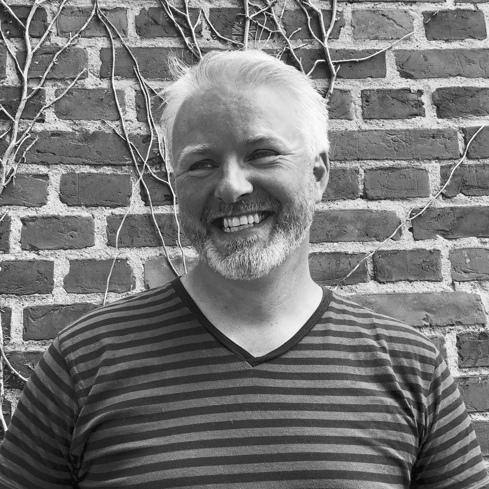 """Mikkel Thormod - CTO - Chief Technical OfficerKontakt: mikkel@headfitted.dkLinkedIn: Mikkel ThormodMikkel har det store overblik i vores projekter. Han følger IT-løsningen fra start til slut, og han har hele tiden for øje, at IT-produktet bliver udviklet med afsæt i kundens behov. Derfor bliver IT-løsningerne altid skræddersyet til kundens profil.""""I løbet af årerne har jeg specialiseret mig inden for konceptudvikling og teknologi med fokus på mennesker; hvordan man forbedrer brugeroplevelser og arbejdsprocesser gennem IT-løsninger - det er det, der driver mig."""""""