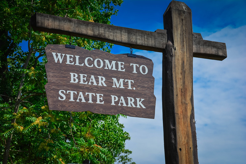 bearMtStateParkSign.jpg