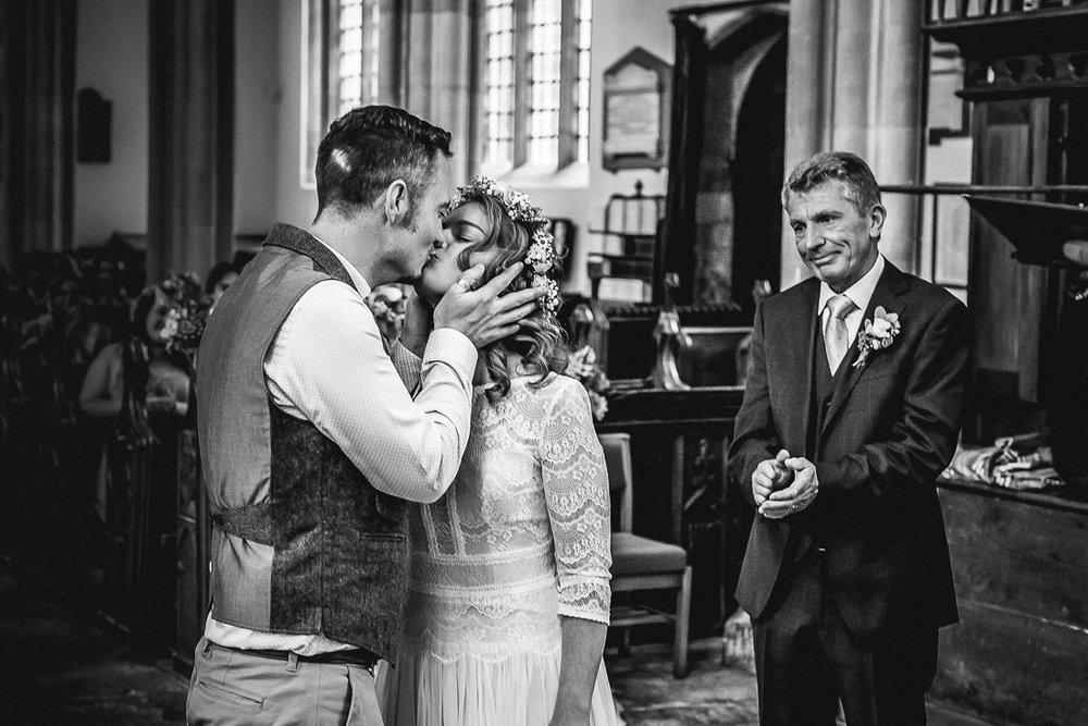 gorgeous natural wedding photographer devon
