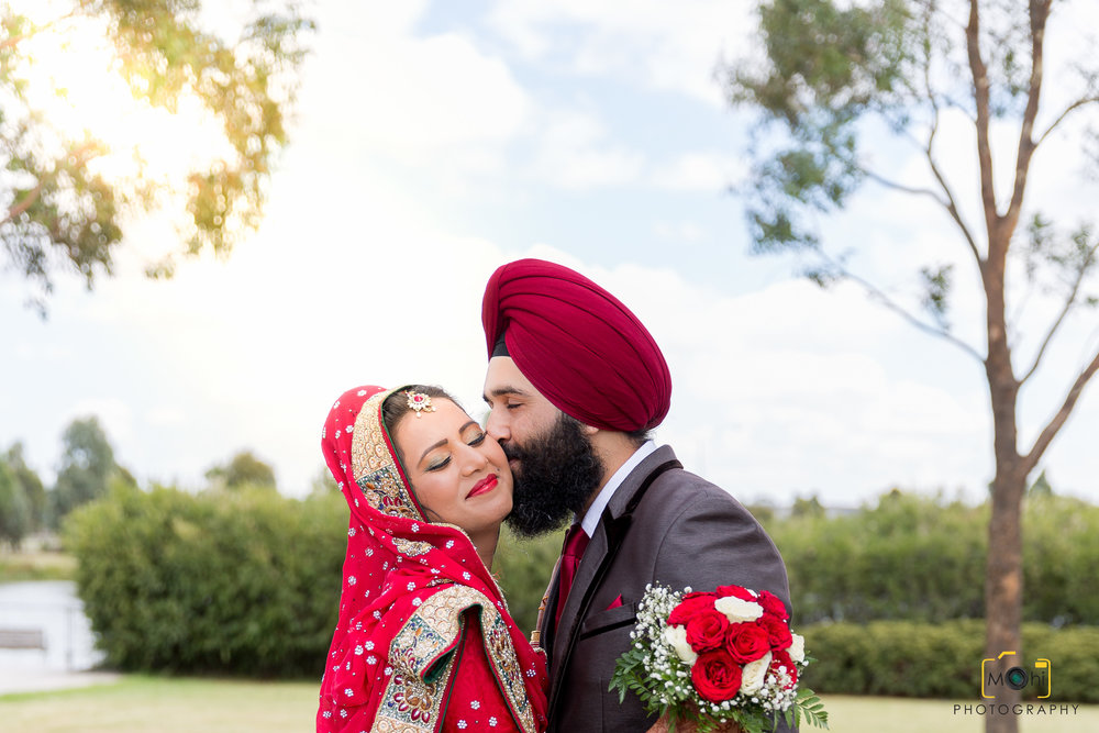 How Much....! - Your wedding is the biggest day of your life and you need a wedding photographer who is both experienced and professional. We understand that each wedding is unique and every moment is priceless.We offer professional and high quality wedding photography packages from $550