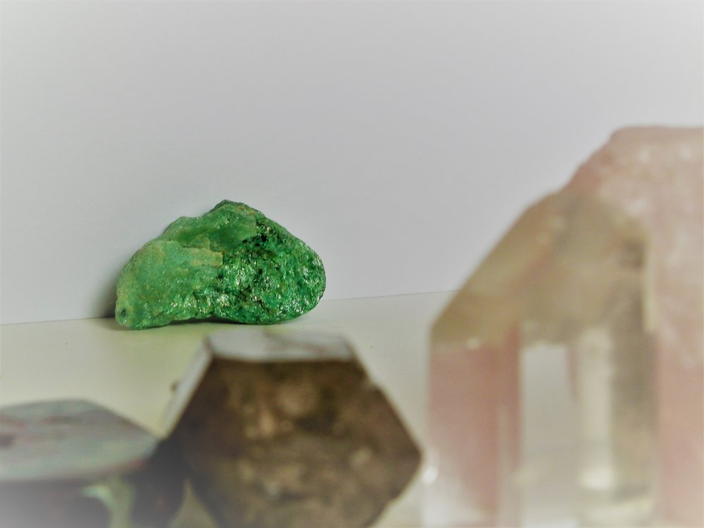 green calcite Crystals meaning crystals and stones crystal healing crystals for beginners how to use crystals crystal magic chakras throat chakra root chakra energy spirituality spiritual healing crystals gemstones gems stones