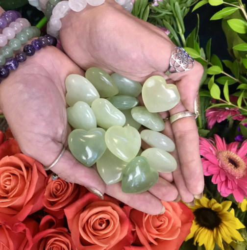 jade crystals Money wealth finances law of attraction fortune abundance opulent rich income disposable income prosperity thank you success six figures five figures seven figures earn money love money make money passive income making money earning money attracting money manifesting money