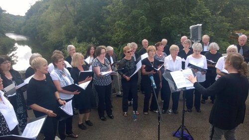 the bridge singers performing at feltonbury 2017