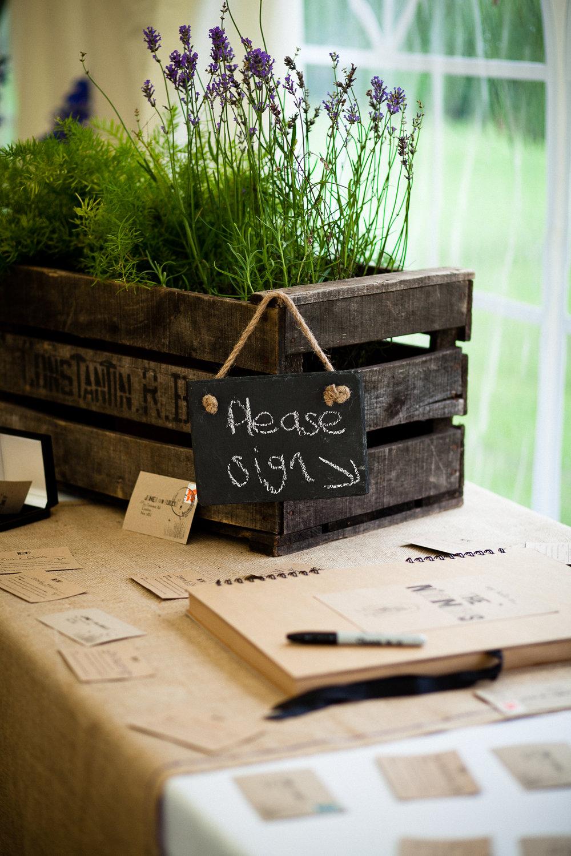 Sign here_Lyndsey Goddard.jpg