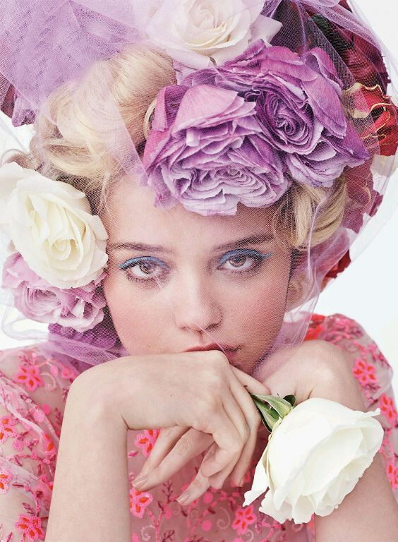 Just a note that if you are in L.A. in between Coachella weekends, stop by this event at Fred Segal!  They are making  floral headpieces that don't die  (it's true!) and they are amazing, so  if you pick up the  fragrance  (also amazing) you can walk out with a free crown for your festival glory.    Image via:  Vogue/Oh No They Didn't       XO