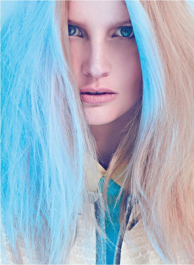 Blue light special. Btw did you guys see this funny tutorial about how to do pastel streaks with chalk?  We are an interesting generation(s) when it comes to beauty … don't you think? via @toomanyronis Image: Koray Birand for Harpers Bazaar