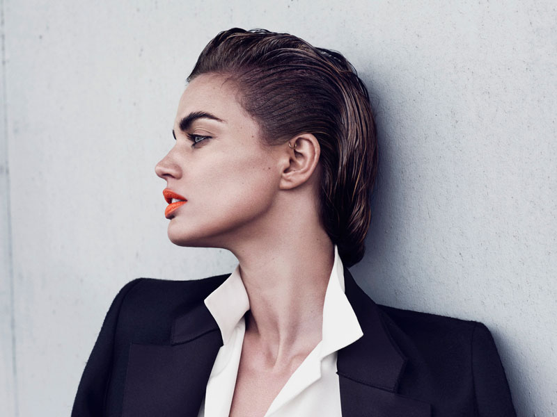 Everyone was talking about how slicked back hair is the new trend (based on the SS12 shows)… I wasn't feeling it until I saw her. I think this is do-able, don't you? Image: Philip Riches for Avant Garde Magazine via