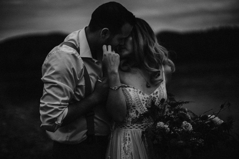 lovelybonesstudio_bridalphotography-21.jpg