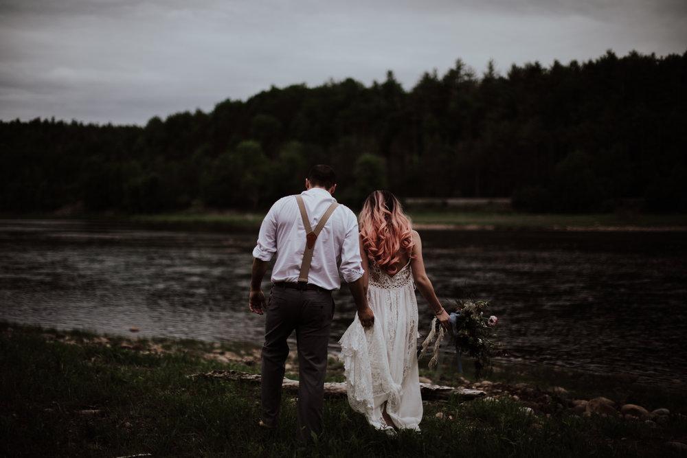 lovelybonesstudio_bridalphotography-23.jpg