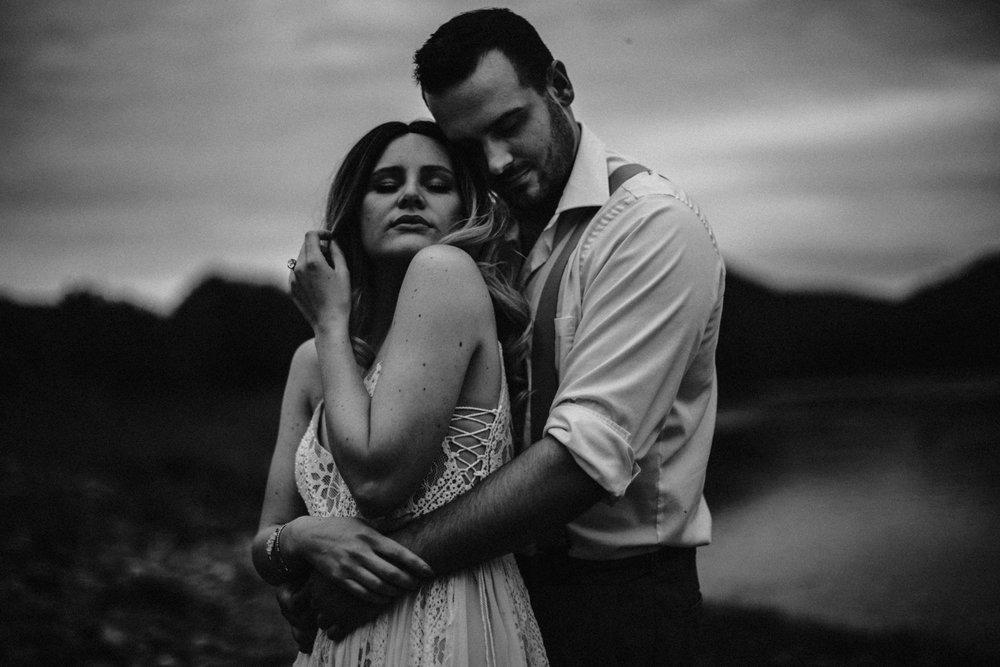 lovelybonesstudio_bridalphotography-18.jpg