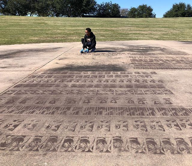 Richland Design students experiment with temporary chalk stencils. Tomorrow our Dance department will add choreography on top of the designs.  #beto. #streetart #chalk #repetition #rhythm #students #design #artistlife