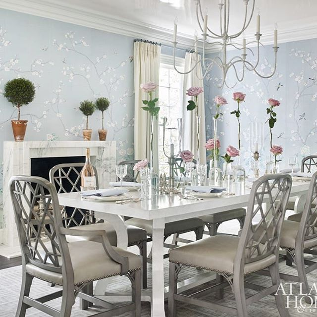 Oh my.... 😍 @clarybosbyshell uses  stunning @paulmontgomery_studio Peonies & Blossoms chinoiserie hand painted paper in this gorgeous dining room featured in November's issue of @atlantahomesmag 📸@emilyfollowhillphotography