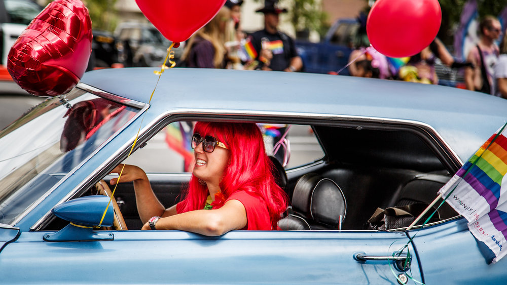 Red hair in car1.jpg