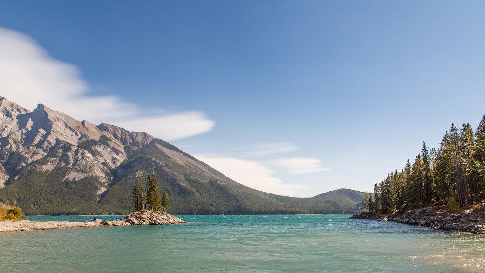 Banff Lake Minnewanka F1.jpg