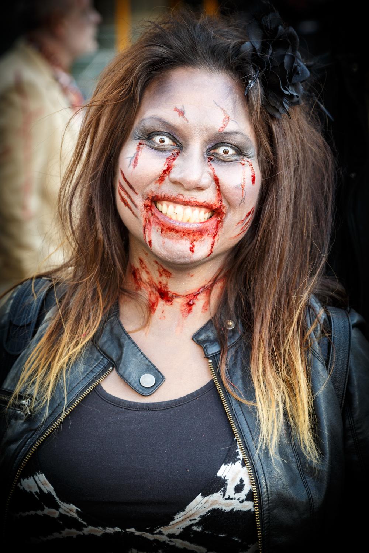 Zombie Teeth Contact Lens1.jpg