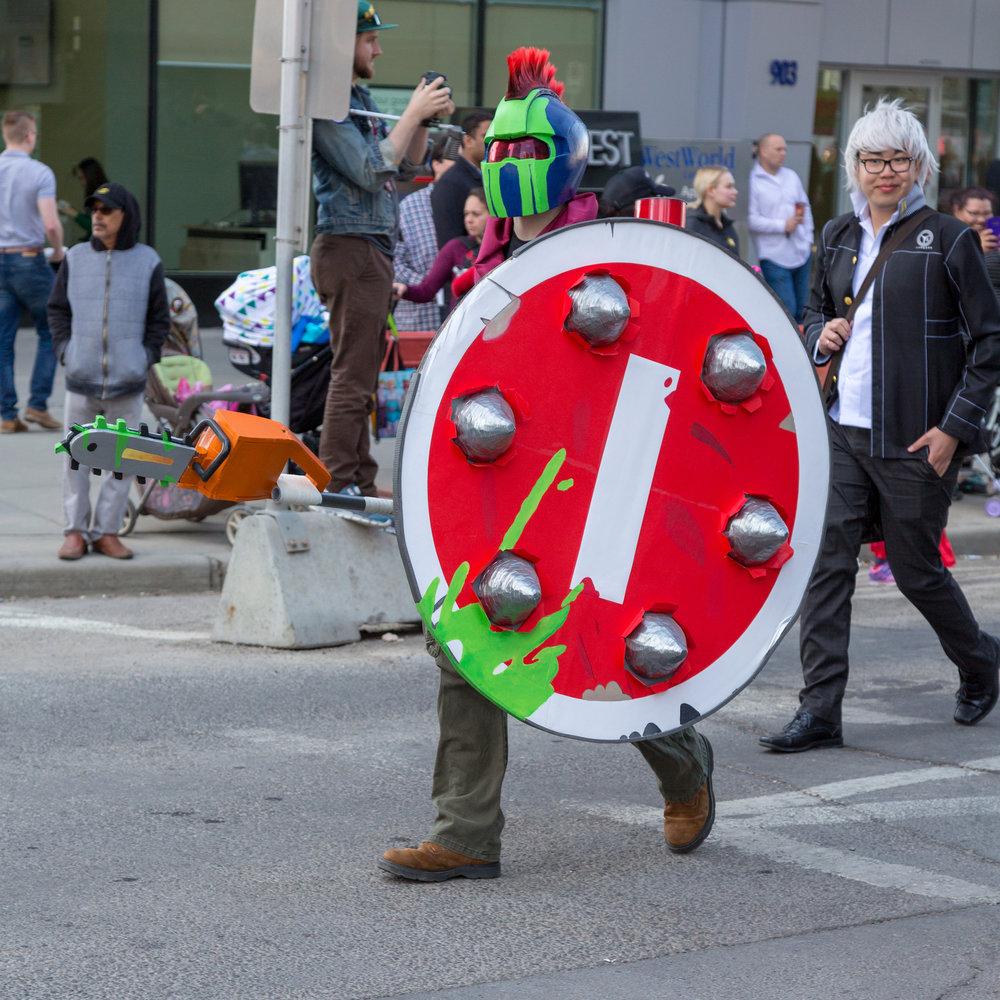 Guy with big shield2.jpg