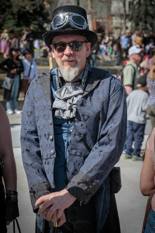Steam punk guy2.jpg