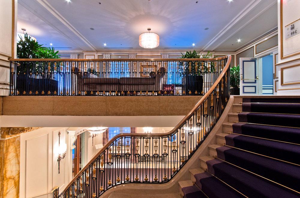 Ritz-Carlton+Montreal,+elegant+staircase,+luxury+hotel.jpg