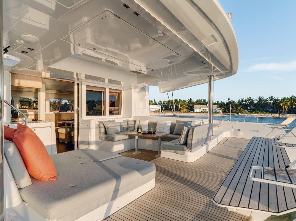 TradeWinds 52 - Luxury Lagoon - Interior 03.jpg
