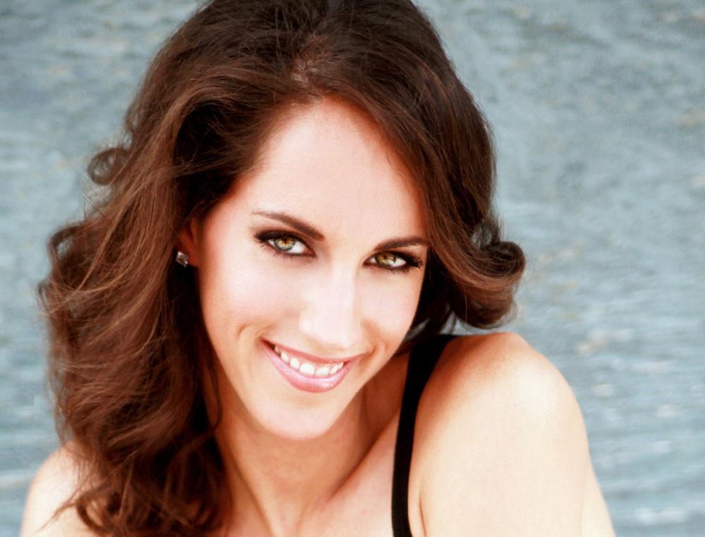 IMG_3626-Janine-headshot-TT.jpg