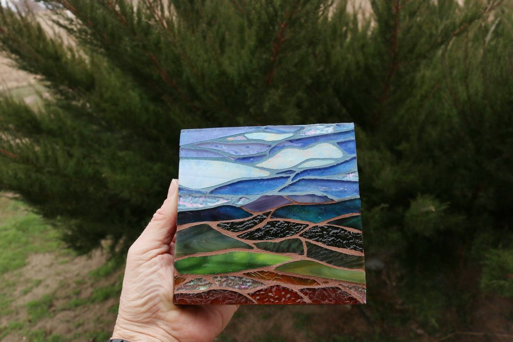 Montana Memory showing iridized glass