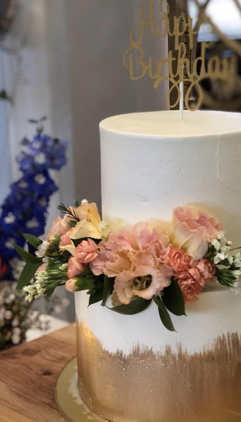 Yvette's Cake.jpg